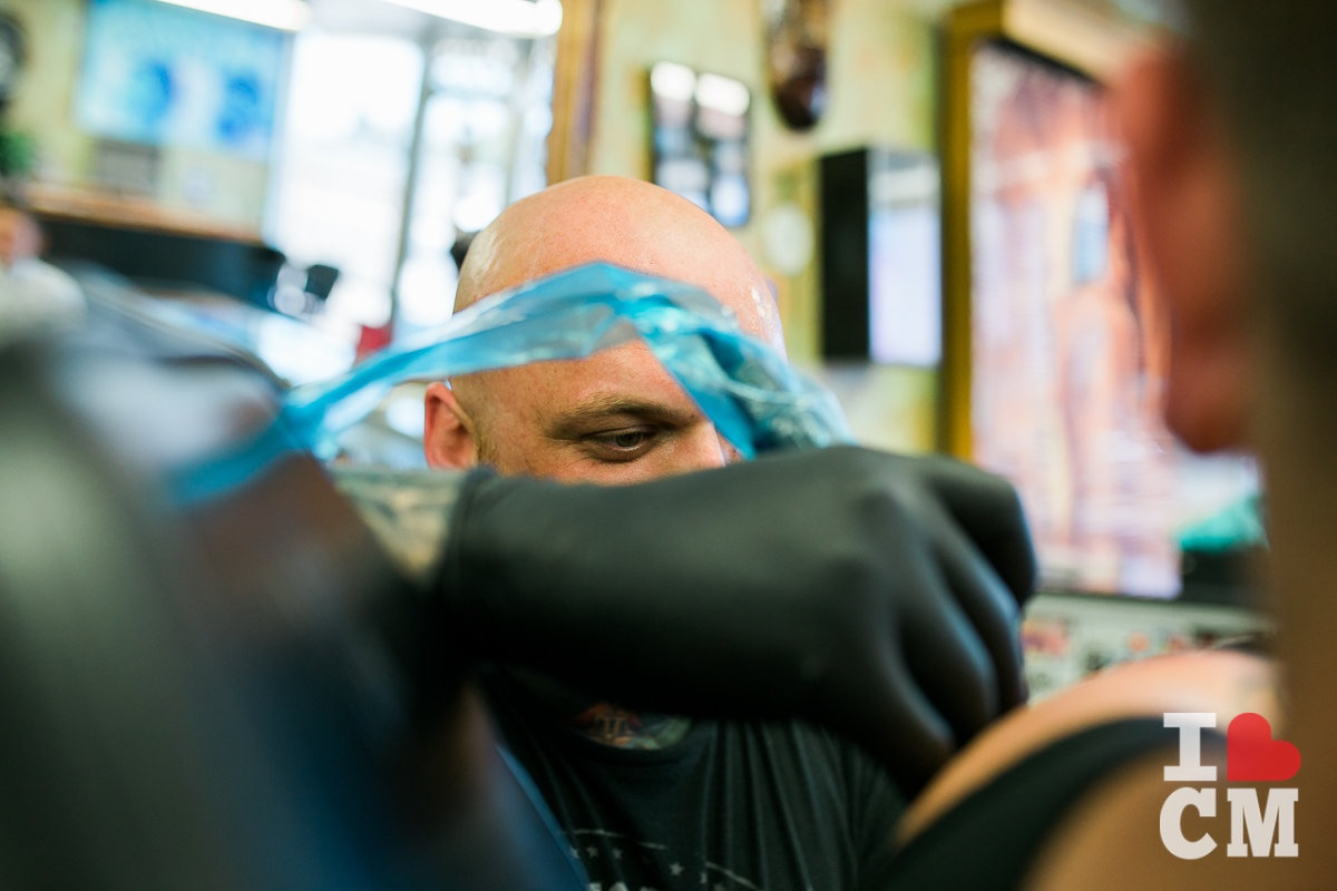 Jason Lewis Works His Craft At Blue Collar Tattoo On Newport Blvd in Costa Mesa, California