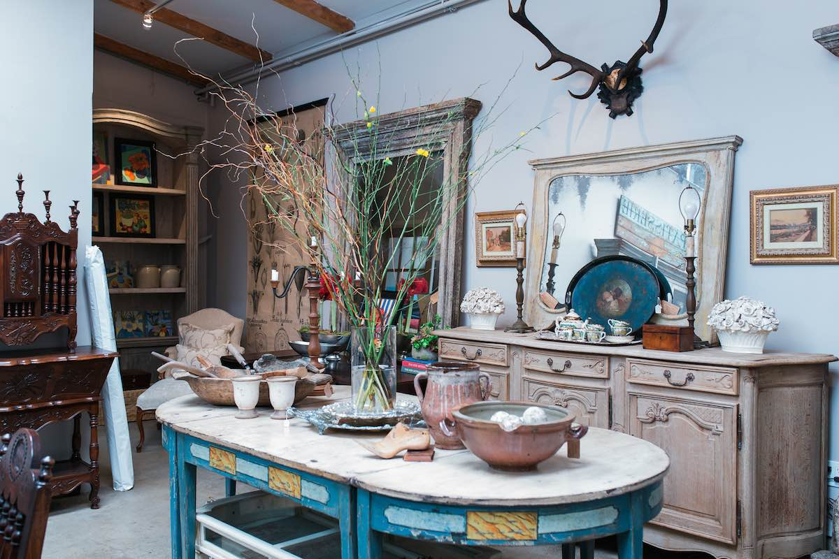 The French Container: Residential Interior Design and Antiques in Costa Mesa, California