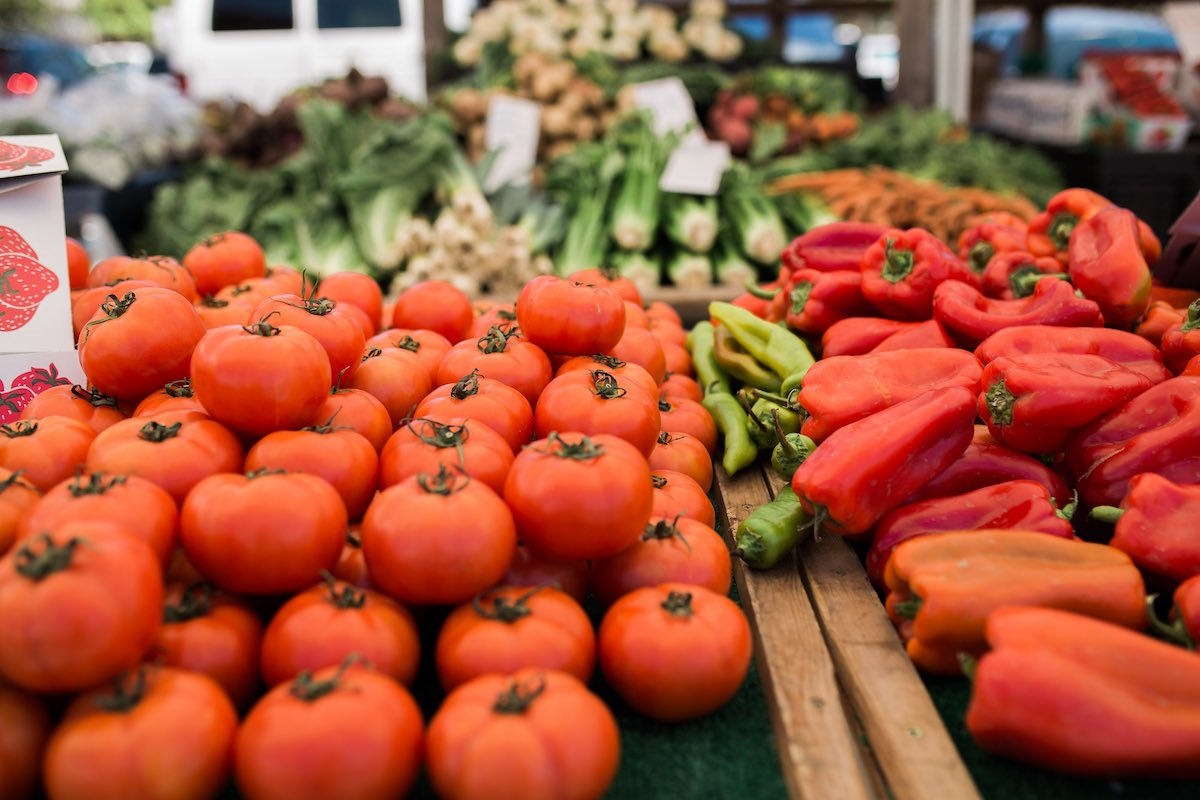 Juicy Produce: SOCO Farmers' Market Offers Fresh, Ripe, Local Fruits and Veggies in Costa Mesa, California